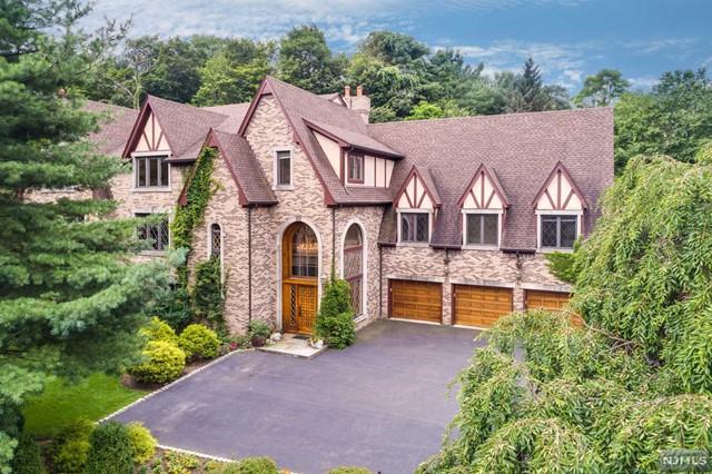 Private Oasis, Franklin Lakes, NJ 07417