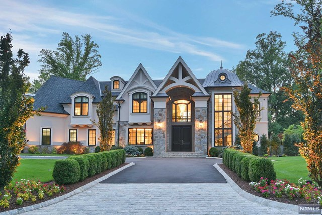 59 Eagle Rim Rd, Upper Saddle River, NJ 07458