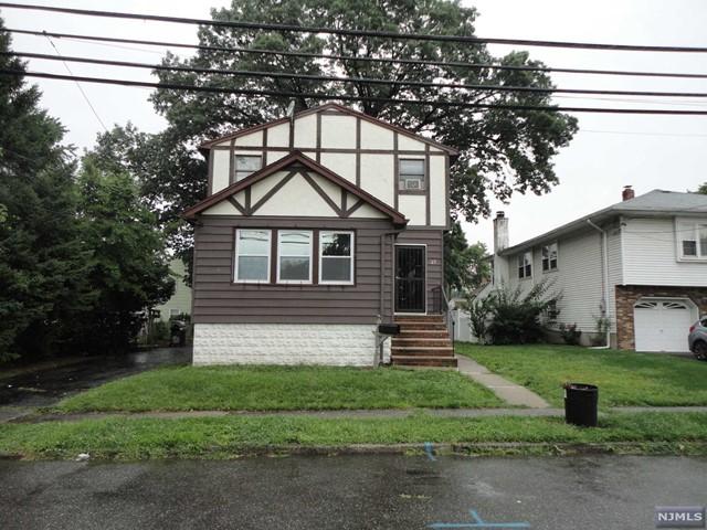 37 Rochelle Pkwy, Saddle Brook, NJ 07663