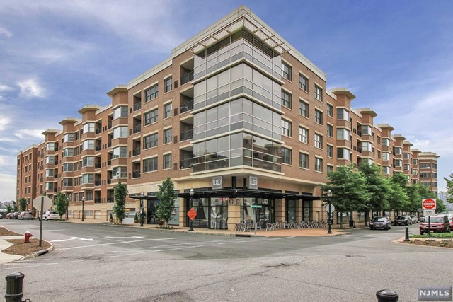 20 Ave At Port Imperial 418, West New York, NJ 07093
