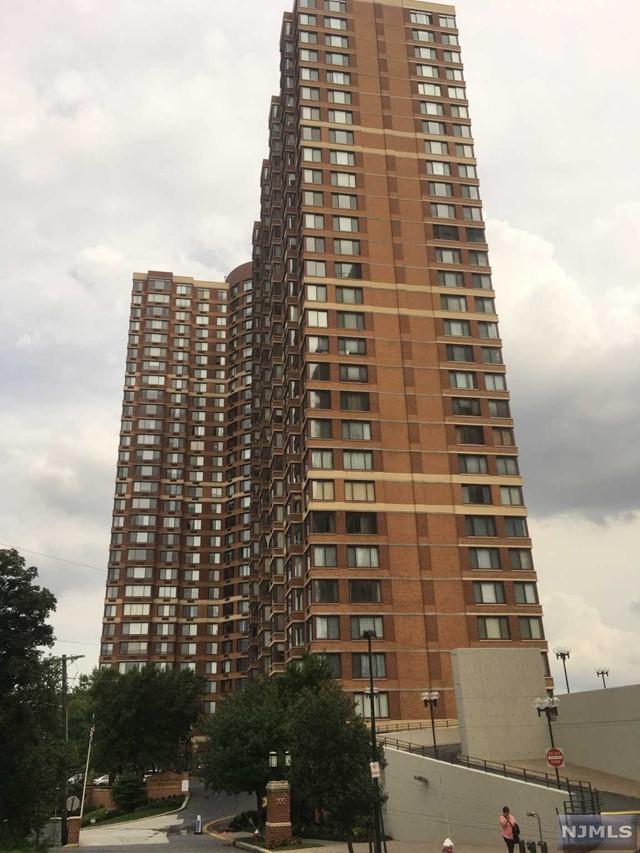 100 Old Palisade Rd 3403, Fort Lee, NJ 07024