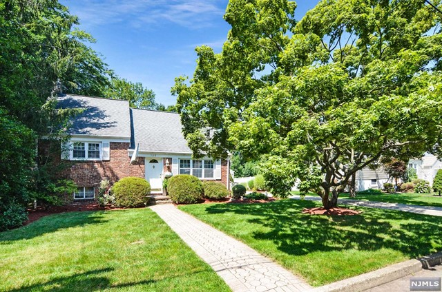 108 Carl Pl, Westwood, NJ 07675