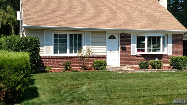 915 Spring Valley Rd, Maywood, NJ 07607