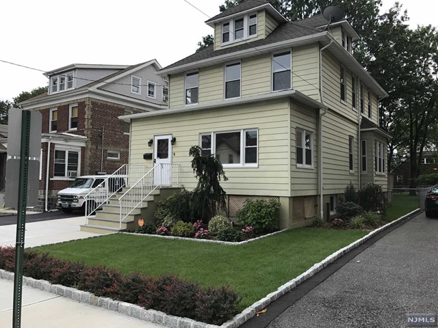 82 Oakdene Ave, Cliffside Park, NJ 07010