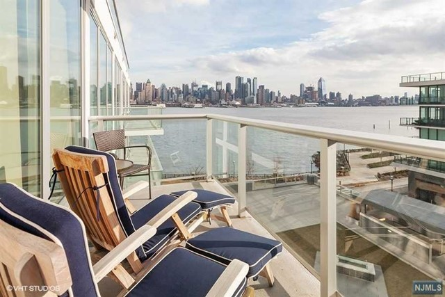 1000 Ave At Port Imperial 612, Weehawken, NJ 07086