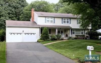 20 Indian Valley Rd, Ramsey, NJ 07446