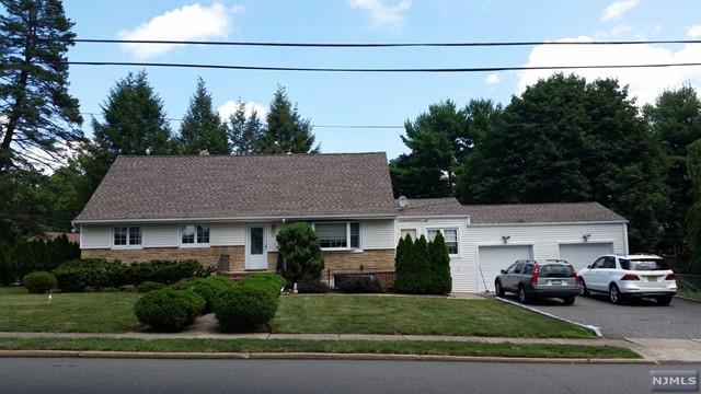 5 Charles Pl, Old Tappan, NJ 07675