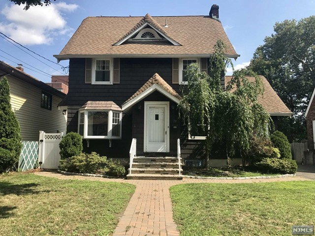 79 Maple St, Rutherford, NJ 07070