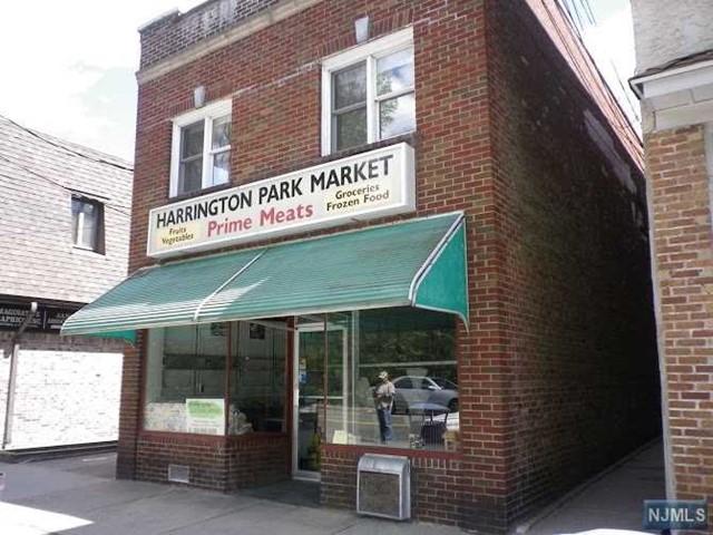 98 Laroche Ave, Harrington Park, NJ 07640