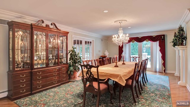 Additional photo for property listing at 425 Saddle Back Trl 425 Saddle Back Trl Franklin Lakes, New Jersey,07417 États-Unis