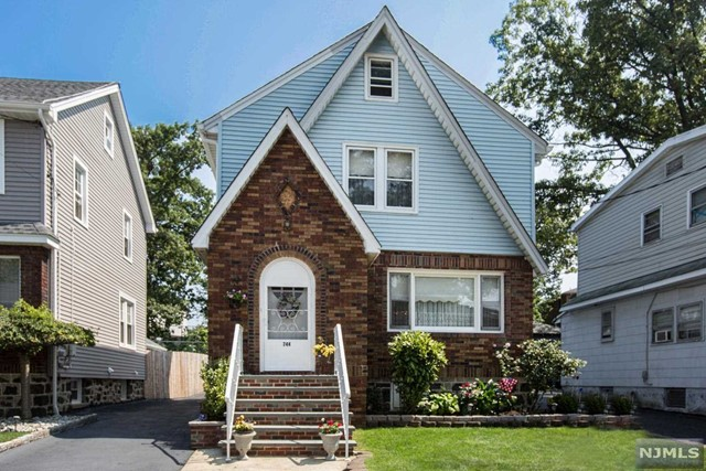 744 Jefferson Ave, Cliffside Park, NJ 07010