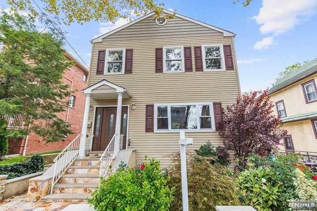 55 Crescent Ave, Cliffside Park, NJ 07010