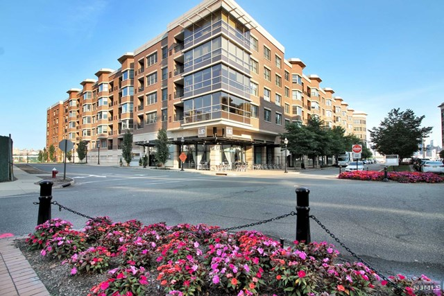 20 Ave At Port Imperial 326, West New York, NJ 07093