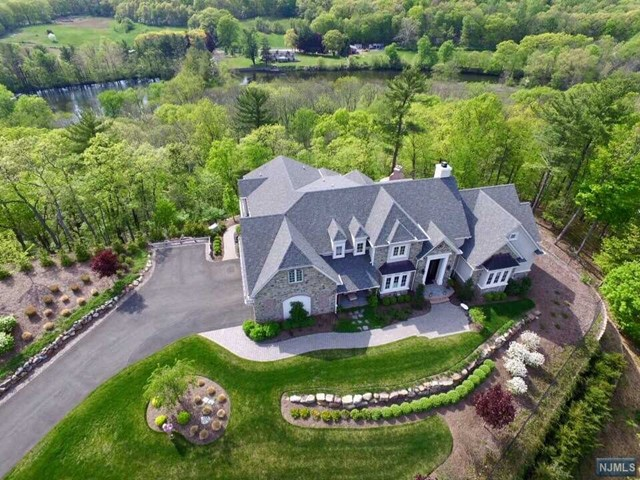 10 Weathervane Way, Mahwah, NJ 07430
