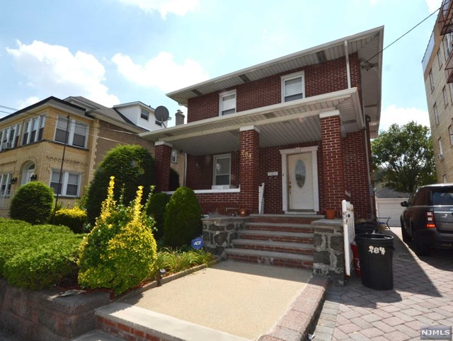 284 Knox Ave, Cliffside Park, NJ 07010