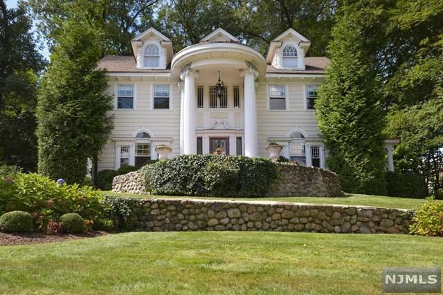 372 Hillcrest Rd, Ridgewood, NJ 07450