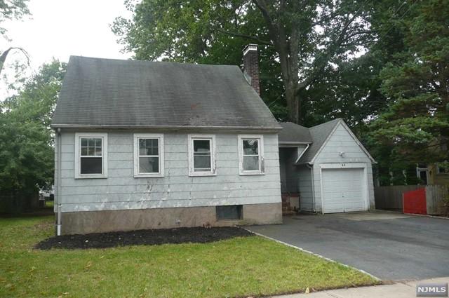 45 Delaware Ave, Dumont, NJ 07628