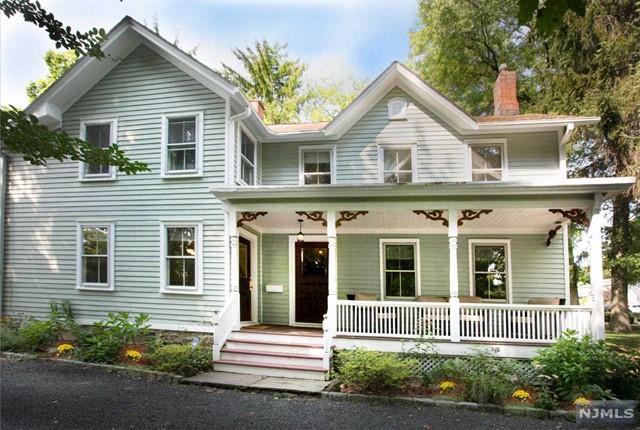 1102 E Ridgewood Ave, Ridgewood, NJ 07450