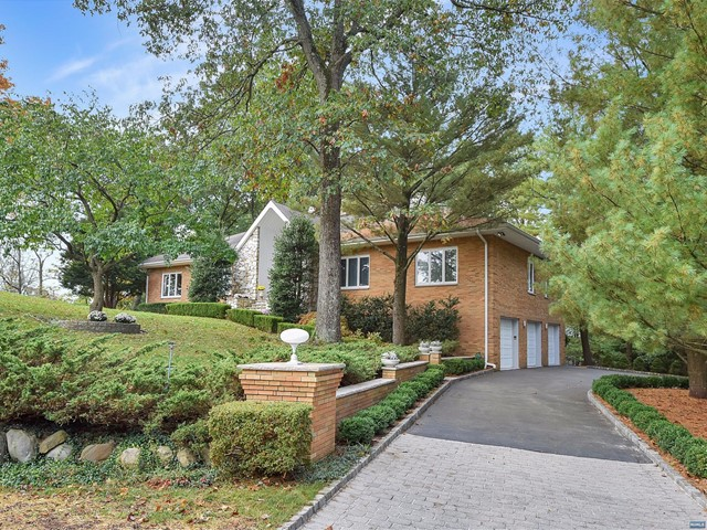 Additional photo for property listing at 700 Jane Dr 700 Jane Dr Franklin Lakes, New Jersey,07417 United States