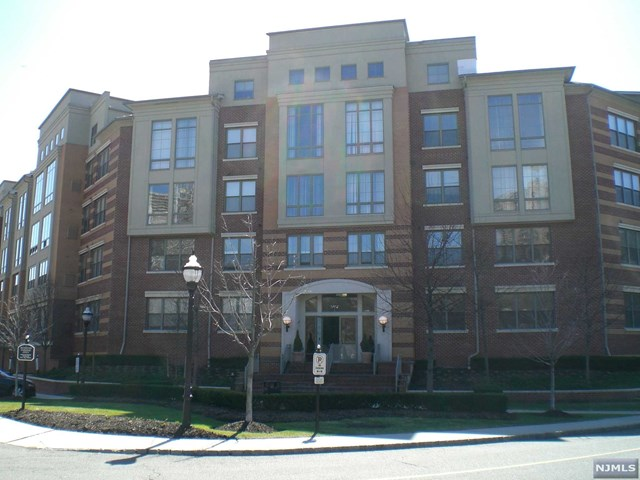24 Ave At Port Imperial 436, West New York, NJ 07093