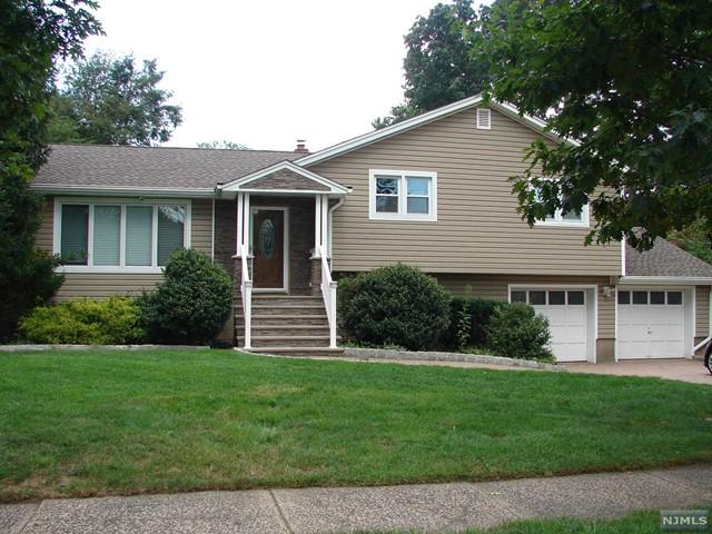 706 Chimes Rd, Paramus, NJ 07652