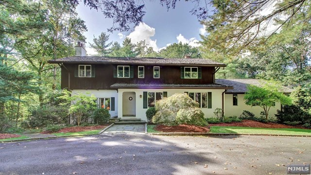 59 Robin Ln, Alpine, NJ 07620