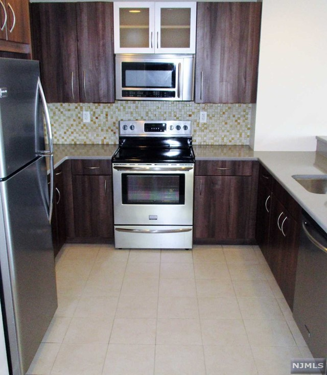 305 Palisade Ave 406, Cliffside Park, NJ 07010