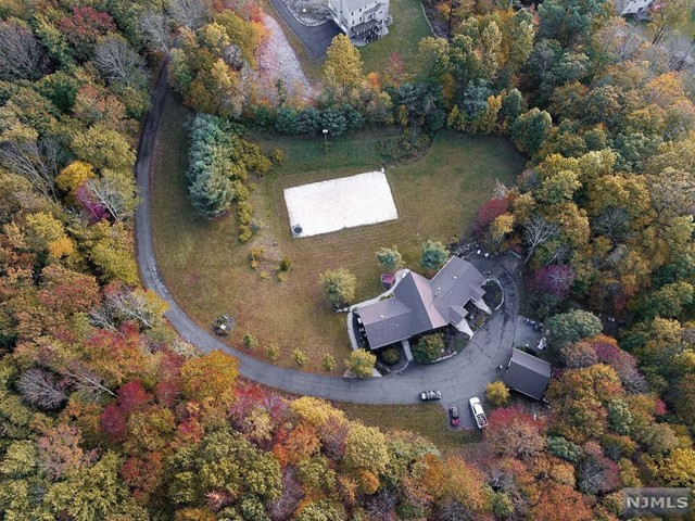 Single Family Home for Sale at 144 Wesley Drive 144 Wesley Drive West Milford, New Jersey 07480 United States