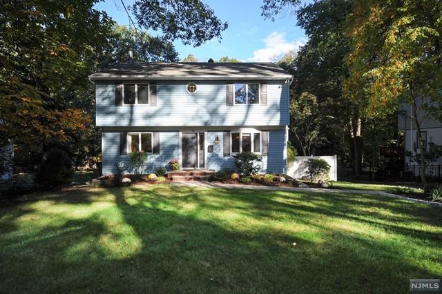 94 Oak Ridge Rd, Ramsey, NJ 07446