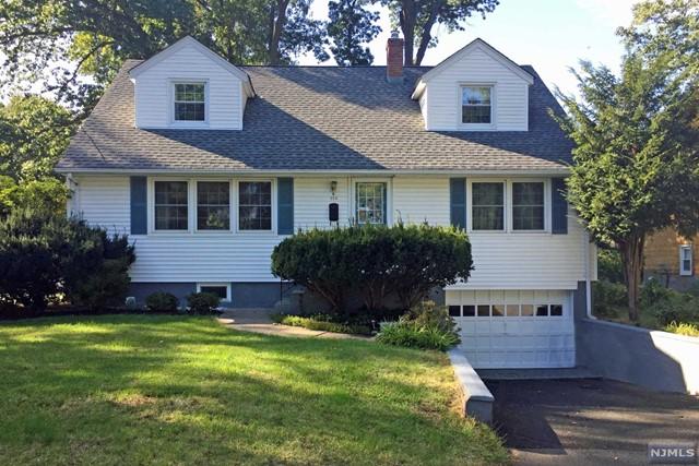 424 Smith Pl, Ridgewood, NJ 07450