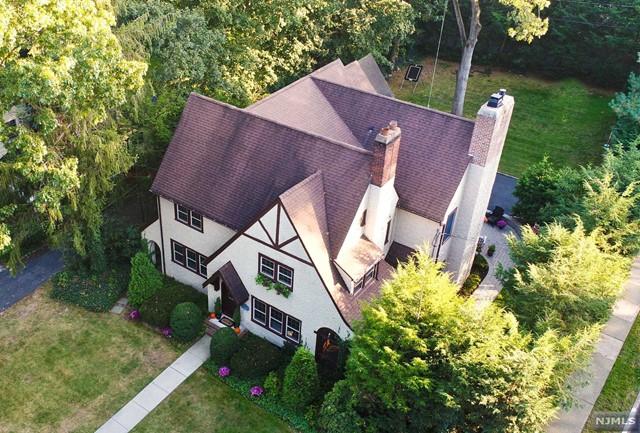 150 Avondale Rd, Ridgewood, NJ 07450