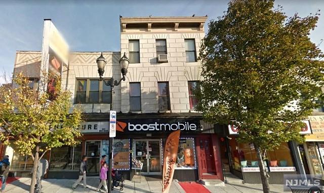 1004 Summit Ave, Union City, NJ 07087