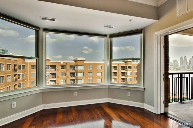 20 Ave At Port Imperial 511, West New York, NJ 07093