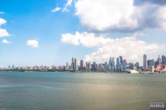 1000 Ave At Port Imperial PH702, Weehawken, NJ 07086