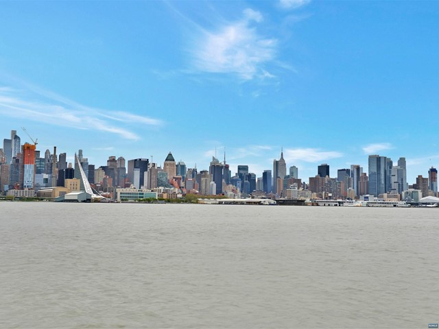 22 Ave At Port Imperial 201, West New York, NJ 07093