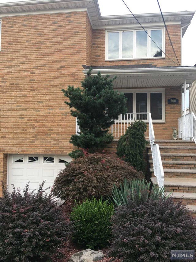 780 Harvard Pl, Cliffside Park, NJ 07010