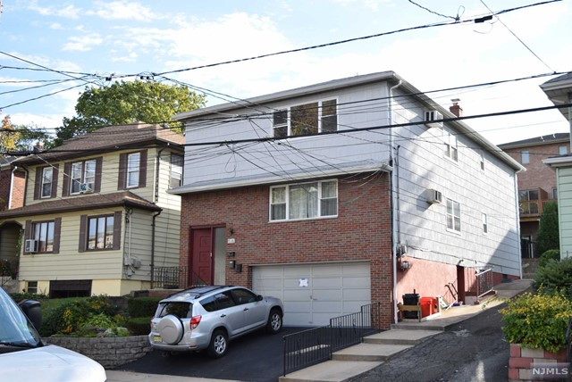 716 Jefferson Ave, Cliffside Park, NJ 07010