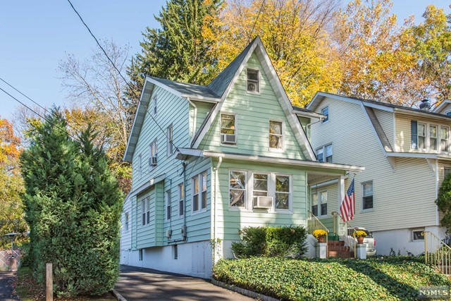 222 W Newell Ave, Rutherford, NJ 07070