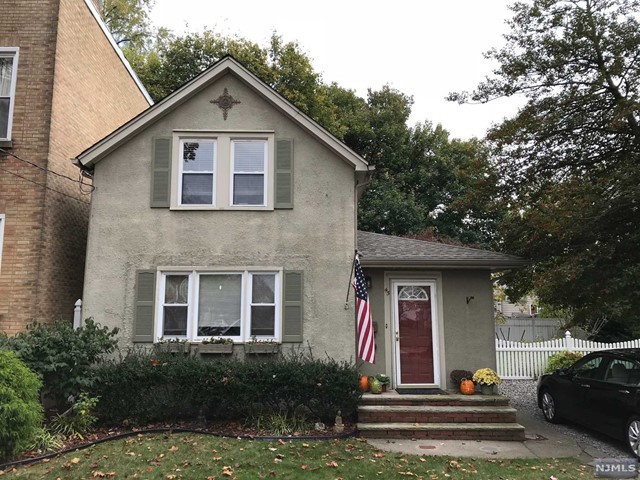 45 Wood St, Rutherford, NJ 07070