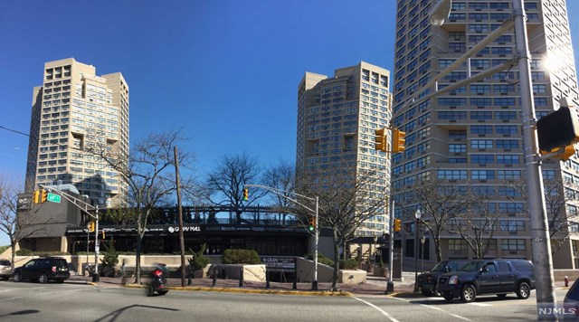 7000 Kennedy Blvd, Guttenberg, NJ 07093