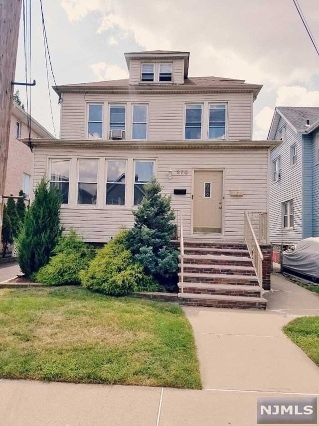 370 Nelson Ave 2nd Fl., Cliffside Park, NJ 07010
