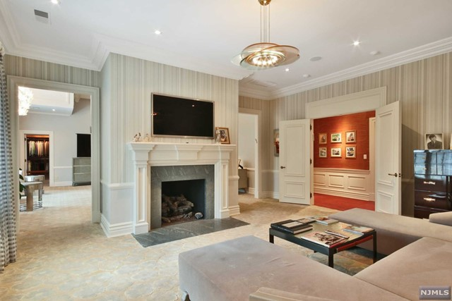 Additional photo for property listing at 20 East Denison Drive 20 East Denison Drive Saddle River, New Jersey 07458 United States