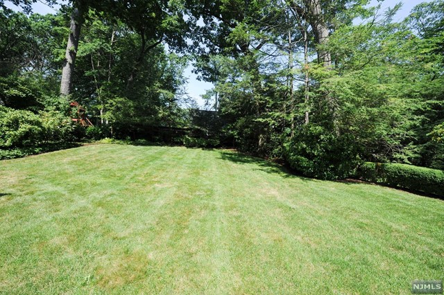 Additional photo for property listing at 374 Heights Road 374 Heights Road Ridgewood, New Jersey 07450 United States