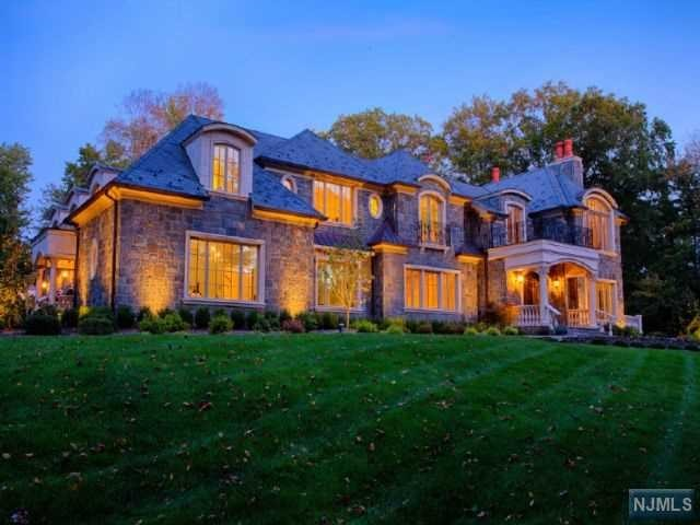 Single Family Home for Sale at 2 Beechwood Drive 2 Beechwood Drive Saddle River, New Jersey 07458 United States