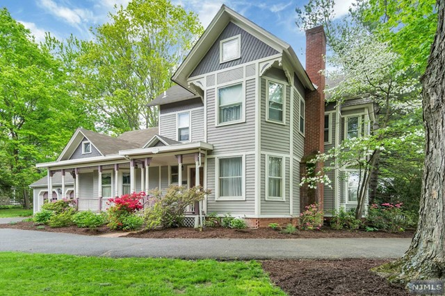 Single Family Home for Sale at 145 West Saddle River Road 145 West Saddle River Road Saddle River, New Jersey 07458 United States