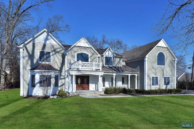 Single Family Home for Sale at 205 Lotte Road 205 Lotte Road Ridgewood, New Jersey 07450 United States