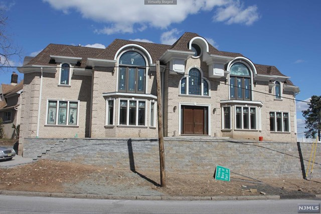 Single Family Home for Sale at 1 State Rt 5 1 State Rt 5 Fort Lee, New Jersey 07024 United States