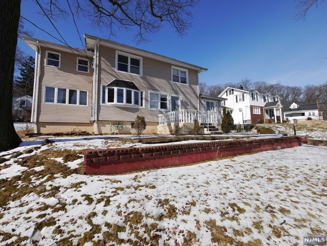 Villas / Townhouses for Sale at 25 Woodside Avenue 25 Woodside Avenue Haledon, New Jersey 07508 United States
