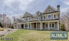 Single Family Home for Sale at 834 West Shore Drive 834 West Shore Drive Kinnelon, New Jersey 07405 United States