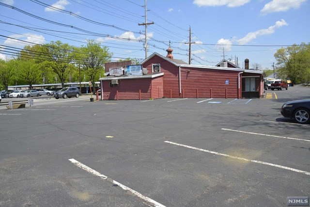 Commercial for Sale at None, 995 Goffle Road 995 Goffle Road Hawthorne, New Jersey 07506 United States